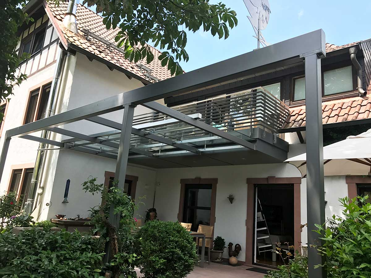 Terrasse, Freisitz, draußen sein, Sonne genießen, Terrassenbelag, Terrassenunterkonstruktion, Terrassengeländer