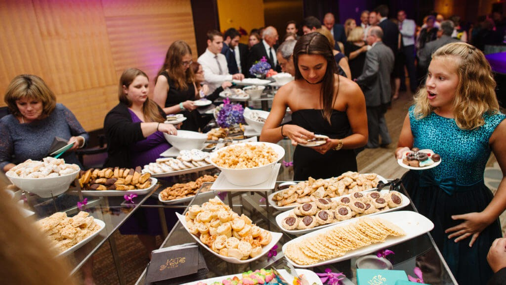 pittsburgh wedding cookie table
