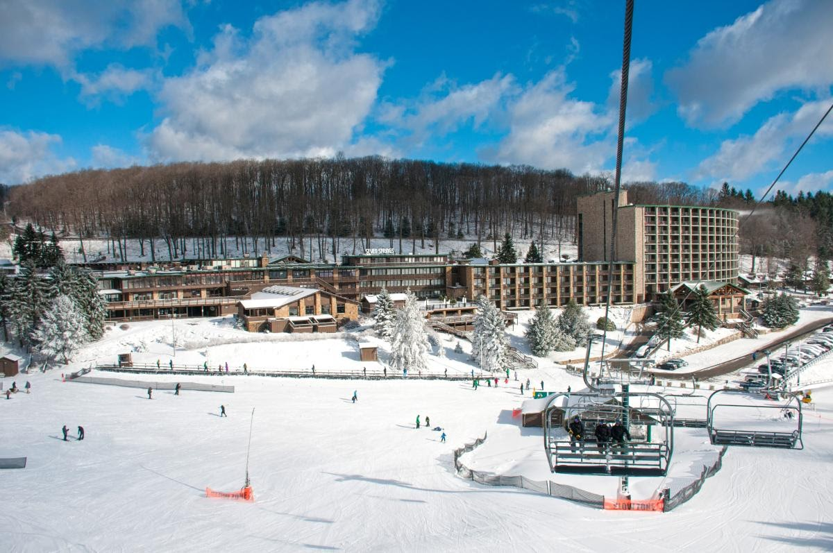 people skiing at seven springs mountain resort
