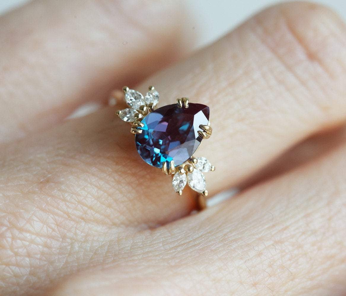 https://www.capucinne.com/products/alexandrite-engagement-ring-pear-alexandrite-ring-8372