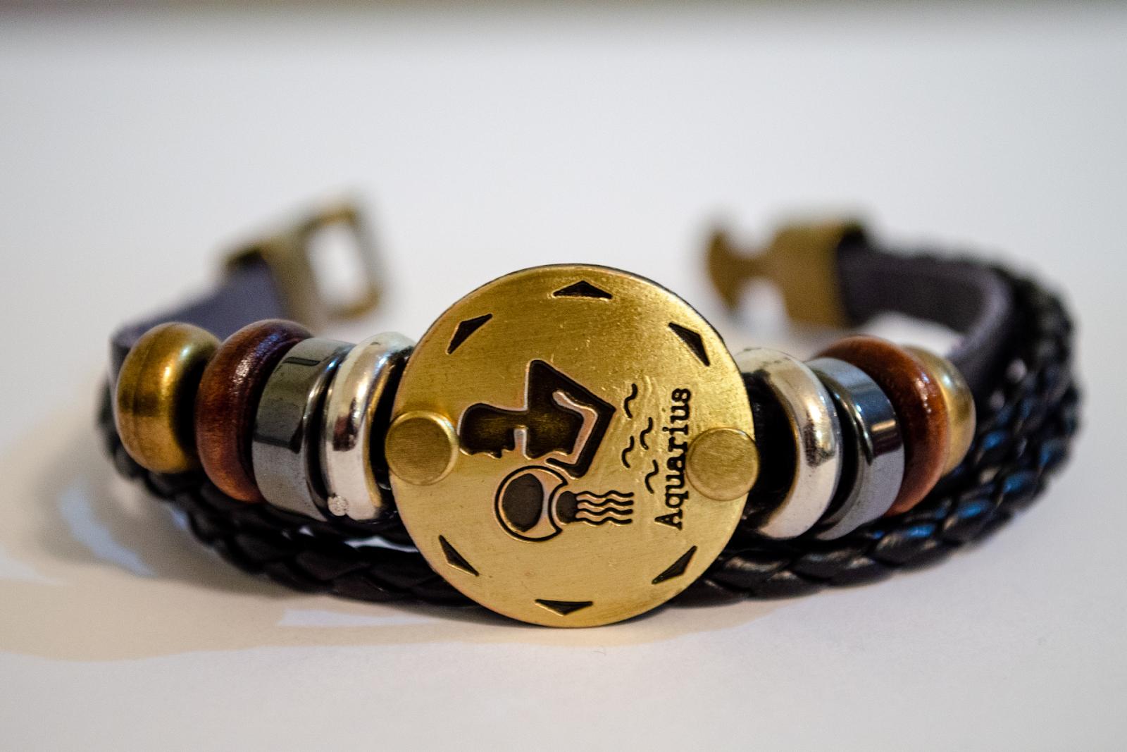 bracelet with aquarius charm