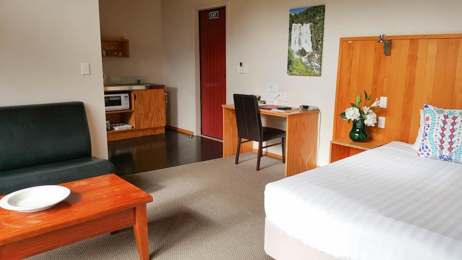 Room at Waitomo lodge,  river studio unit