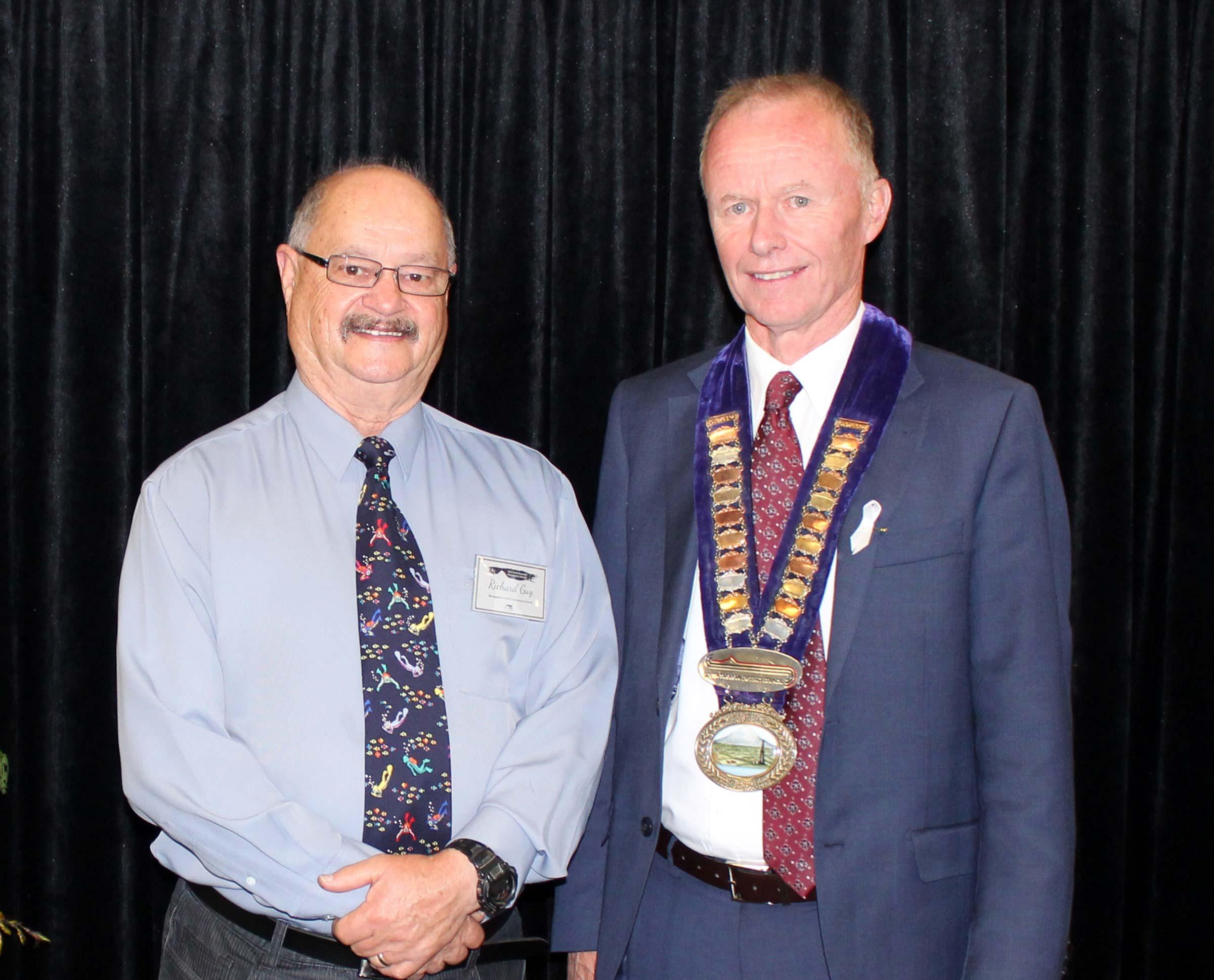 Project Reef Life's Richard Guy with the Mayor at the Taranaki Community Awards