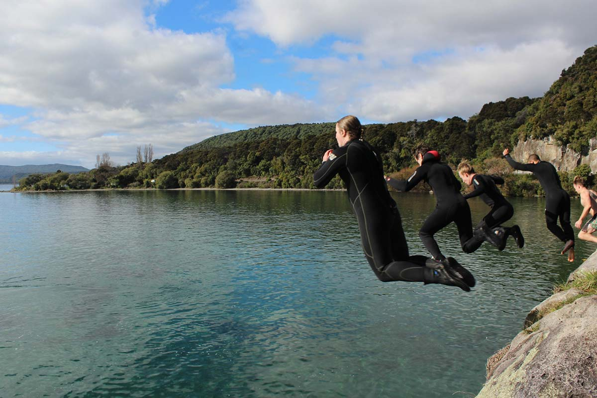 taupo cliff jumping