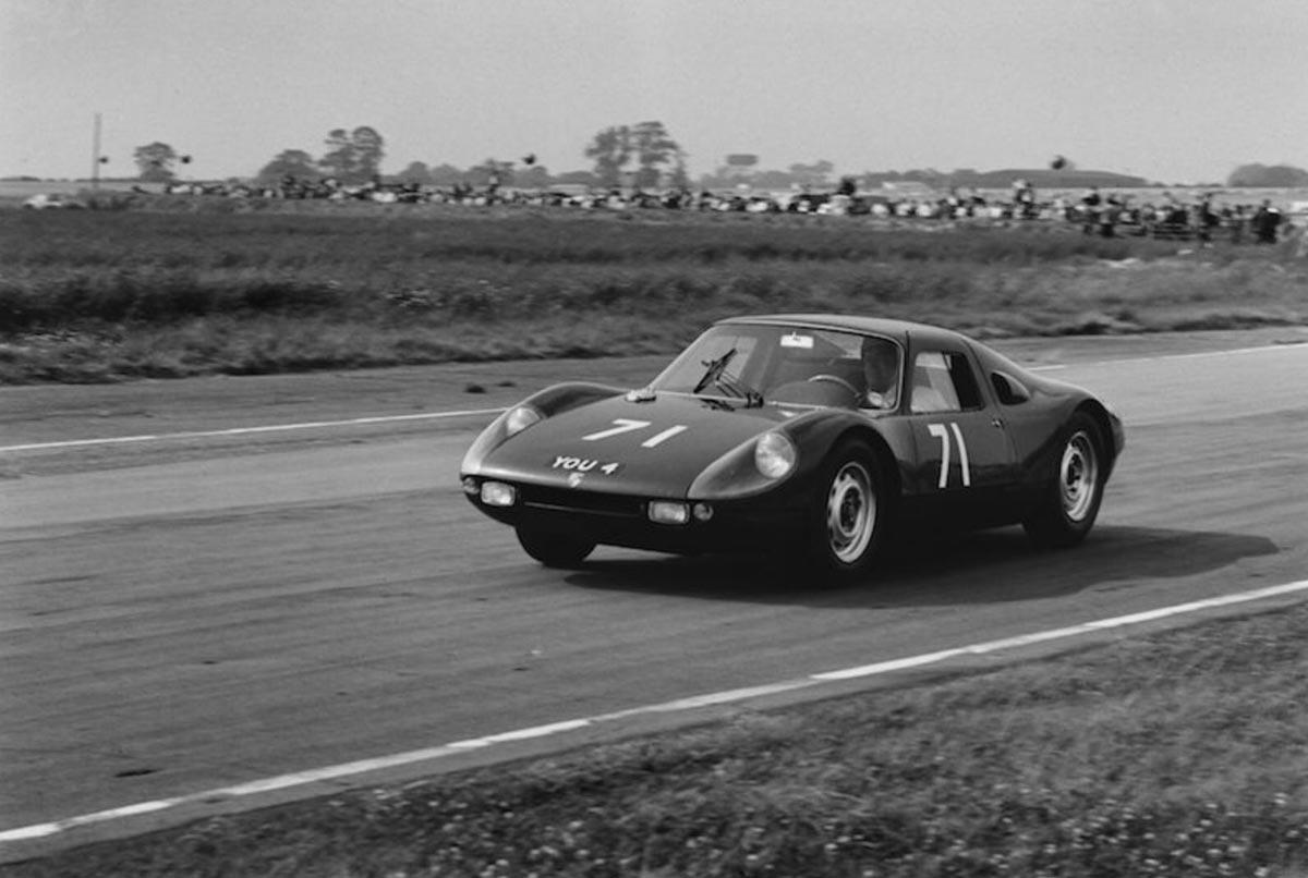 Dickie Stoop Porsche 904 — Maxted-Page historic Porsche