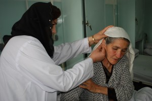 afghanistan woman doctor