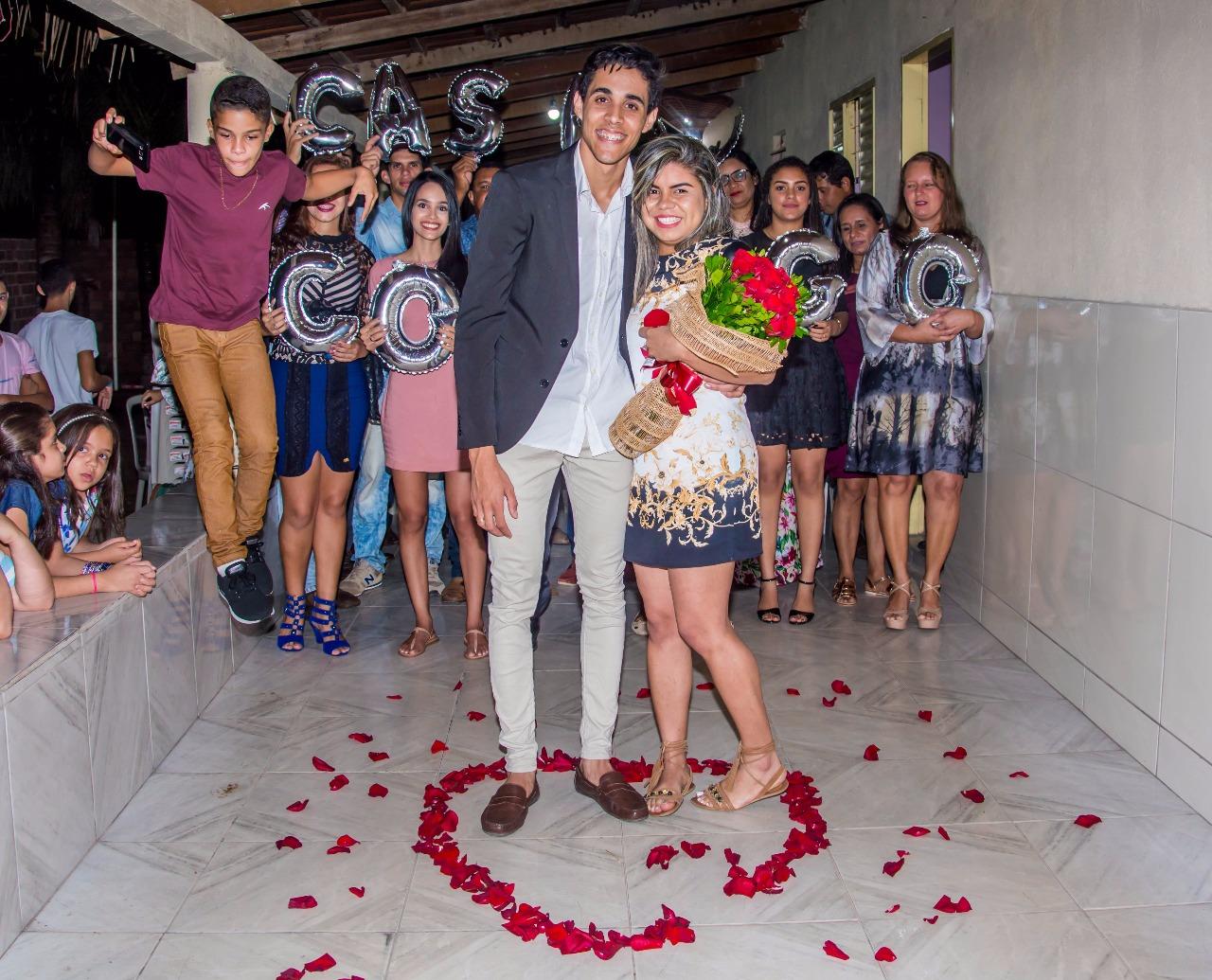 felicidade após pedido de casamento sonho