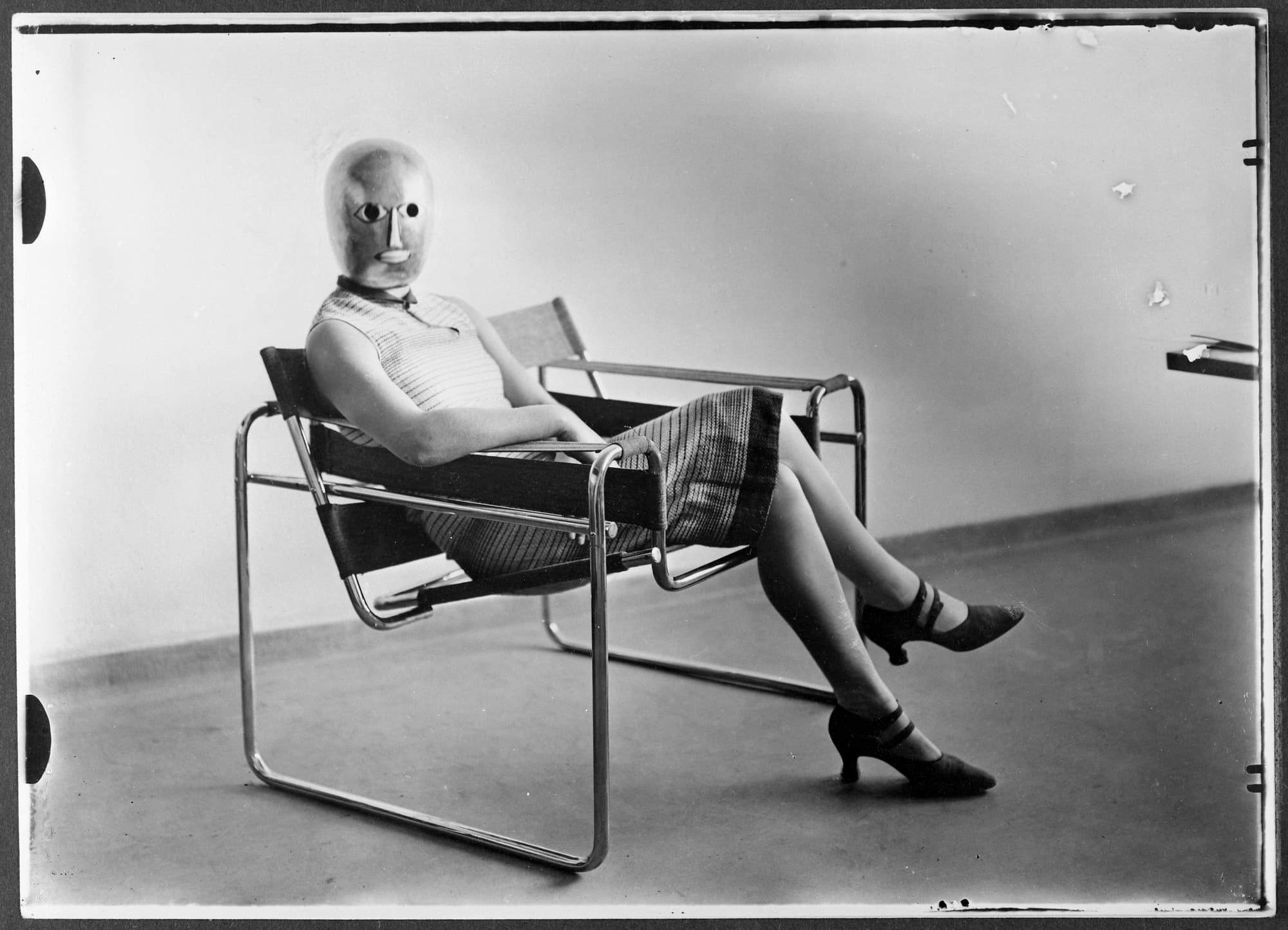 Foto: Erich Consemüller, um 1926, Bauhaus-Archiv Berlin © Dr. Stephan Consemüller