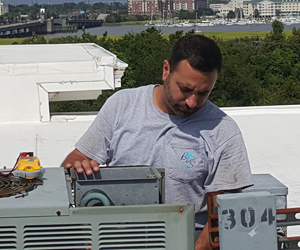 looking for signs an ac unit needs repairs