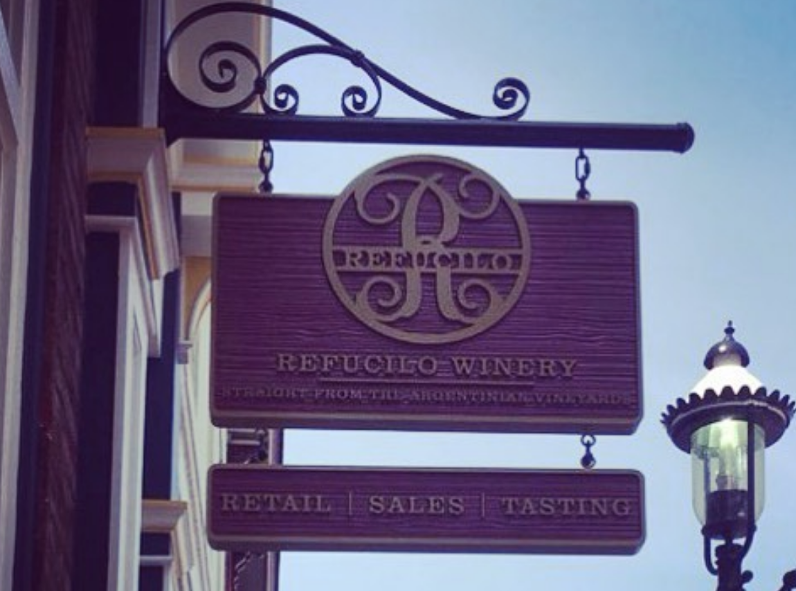Refucilo Winery sign
