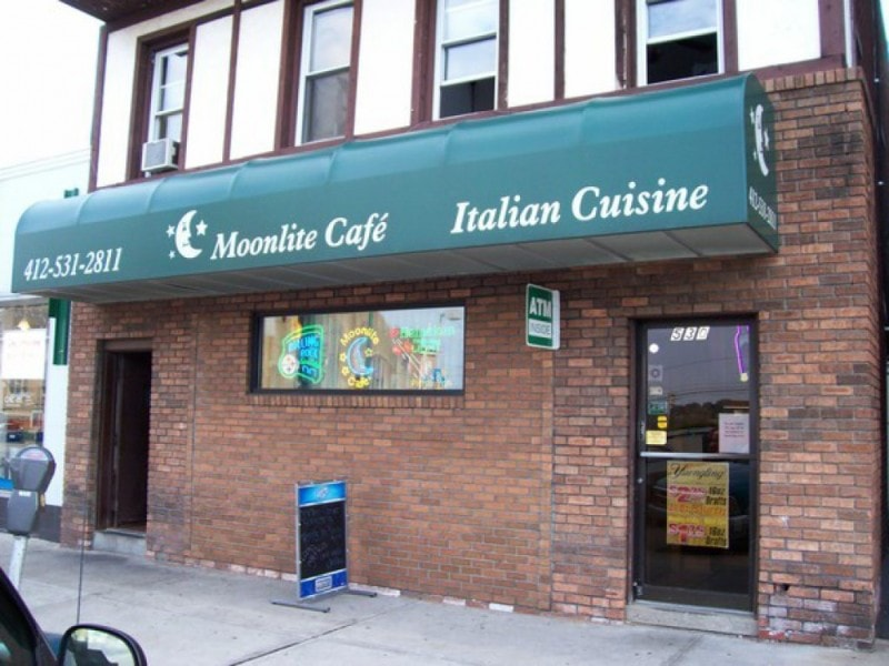 the storefront of Moonlite Cafe
