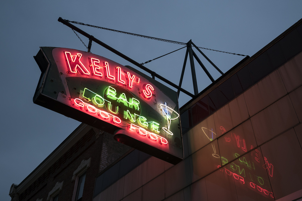 Kelly's bar and lounge Pittsburgh