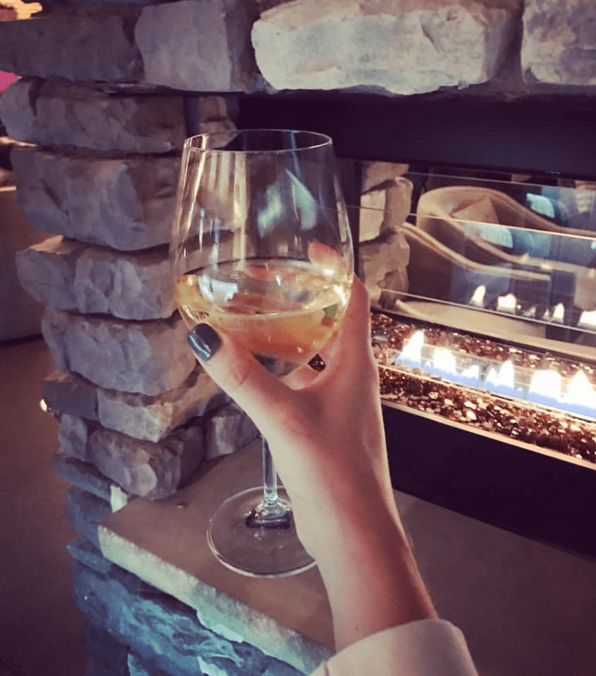 eighth and hays wine bar and brick oven