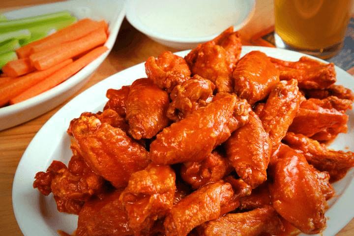 plate of wings from smokin joes