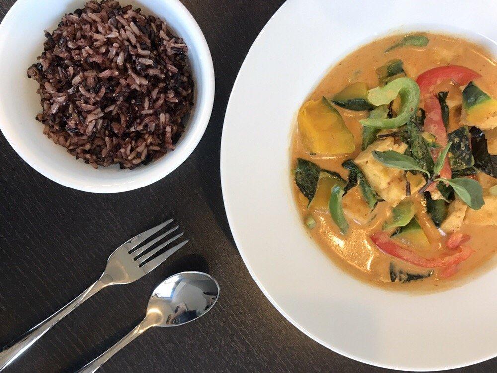 meal at senya thai kitchen pittsburgh