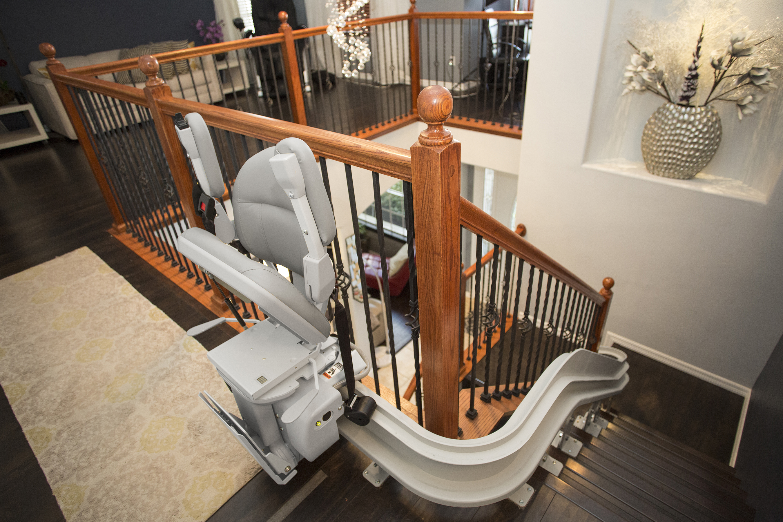 Bruno Elite CRE-2110Chairlift For Curved Stairs