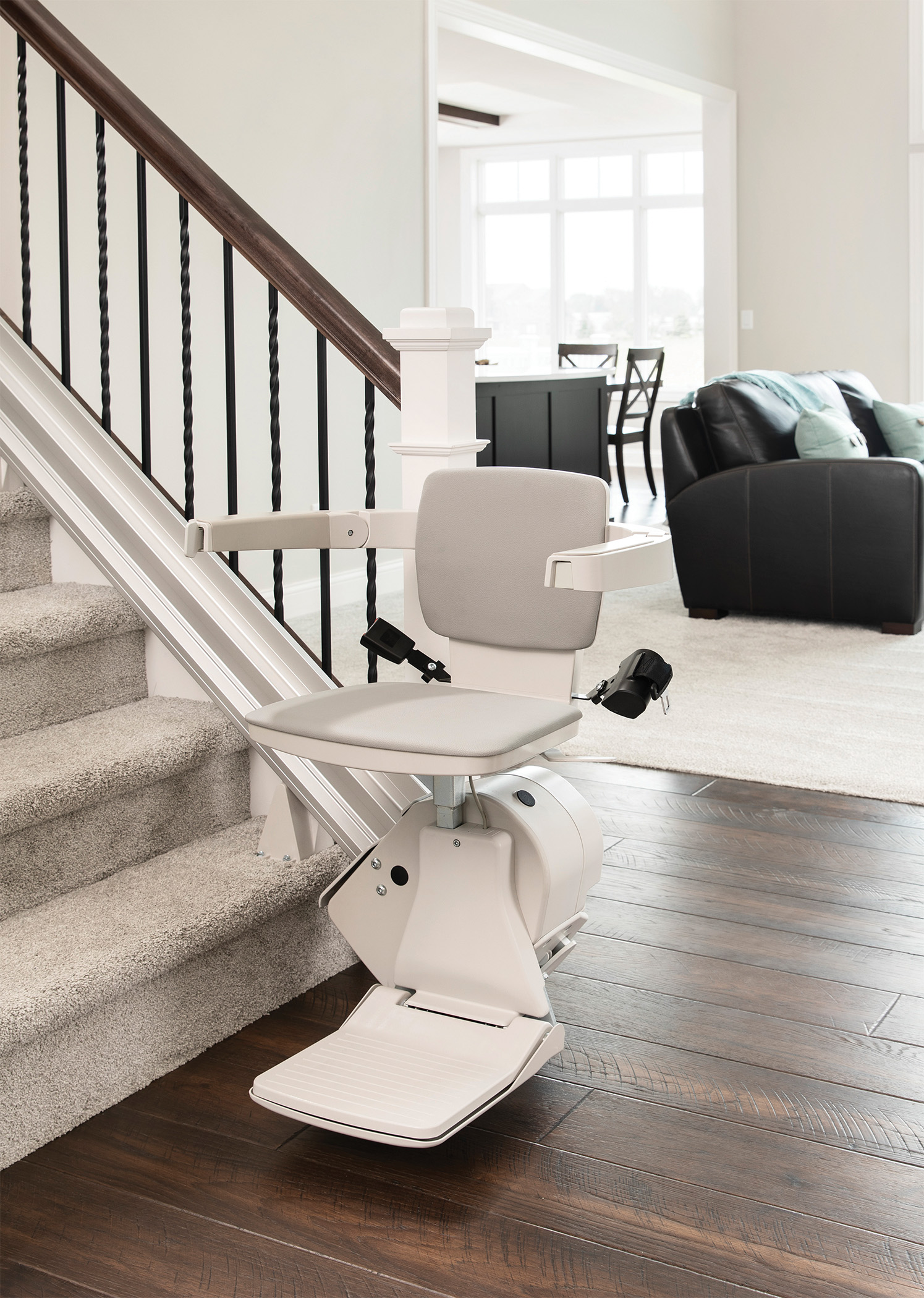 Bruno Elan SRE-3050Chairlift for straight stairs
