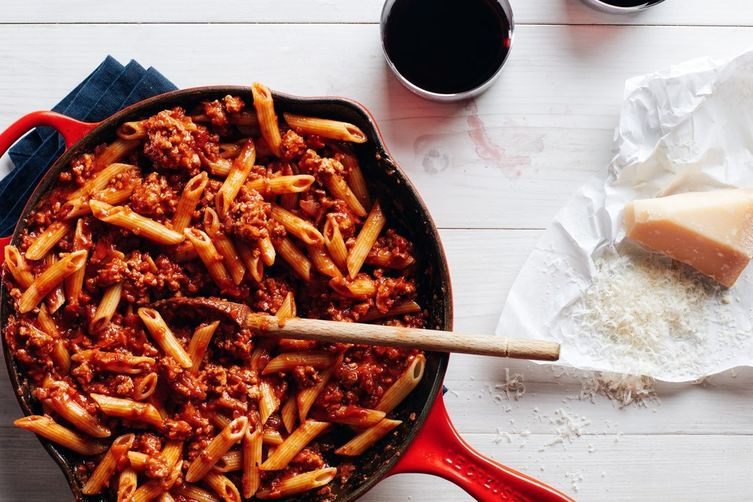 Try These Incredible 15-Minute Meals Tonight: Pasta With Meat Sauce