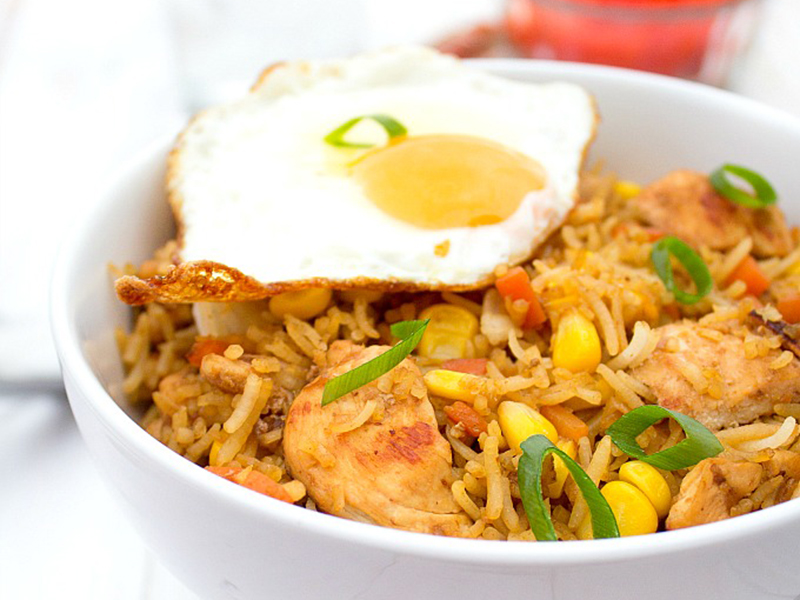 Easy Weeknight Dinner: Indonesian Fried Rice (Nasi Goreng)
