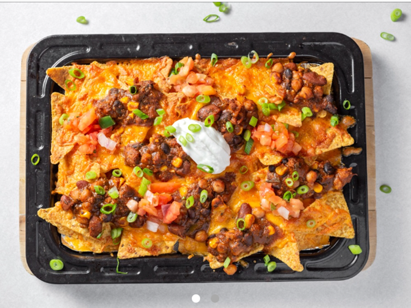 Easy Weeknight Dinner: Chili Cheese Nachos