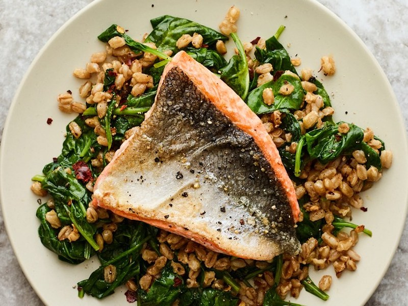 What Should I Eat for Dinner: Pan-Seared Salmon