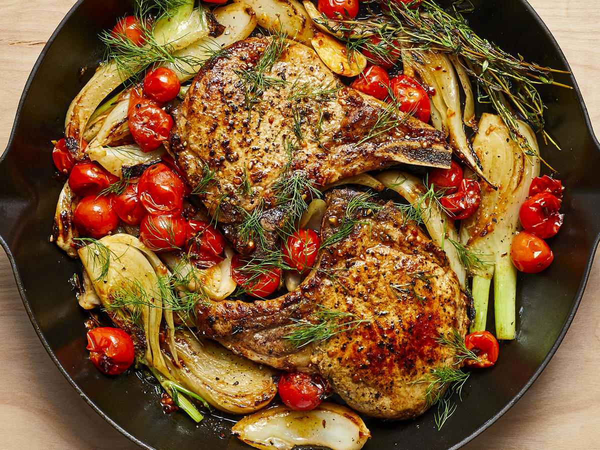 Easy dinner recipes for two: Pan-Seared Pork Chops With Roasted Fennel and Tomatoes