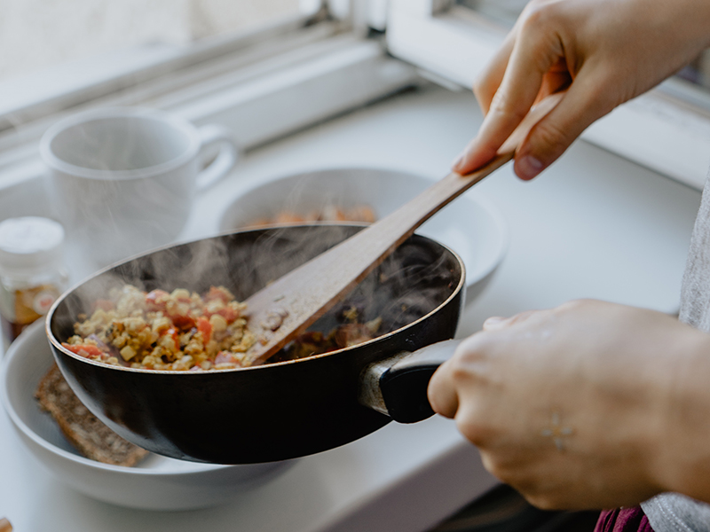 HelloFresh vs. Blue Apron: taco meat in a fry pan