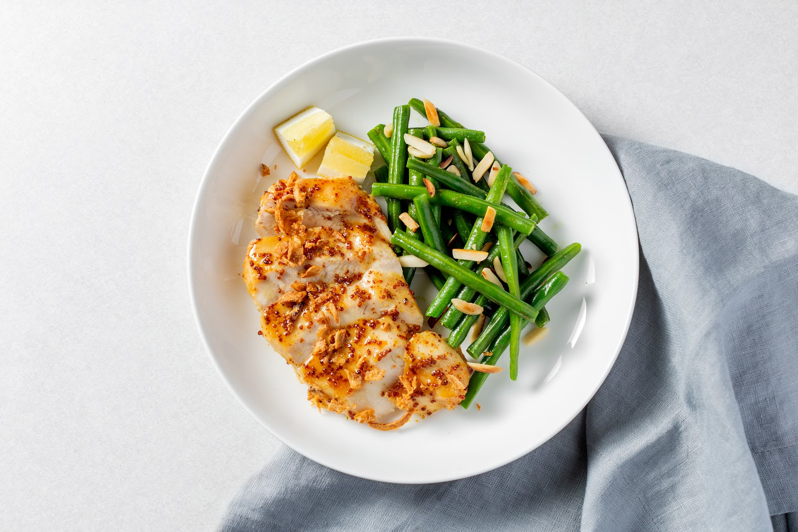 Chicken dinner ideas: a roasted chicken breast and green beans