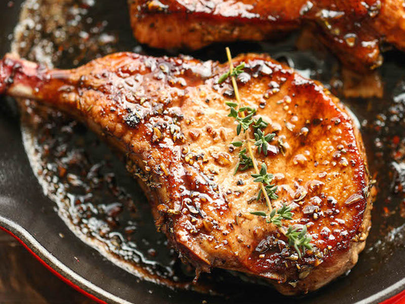 Quick easy dinner: Easy Pork Chops With Sweet and Sour Glaze