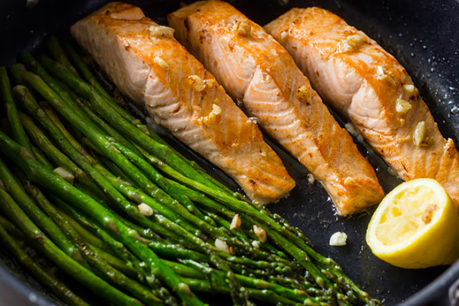 Fast dinner ideas: One Pan Lemon Garlic Salmon and Asparagus