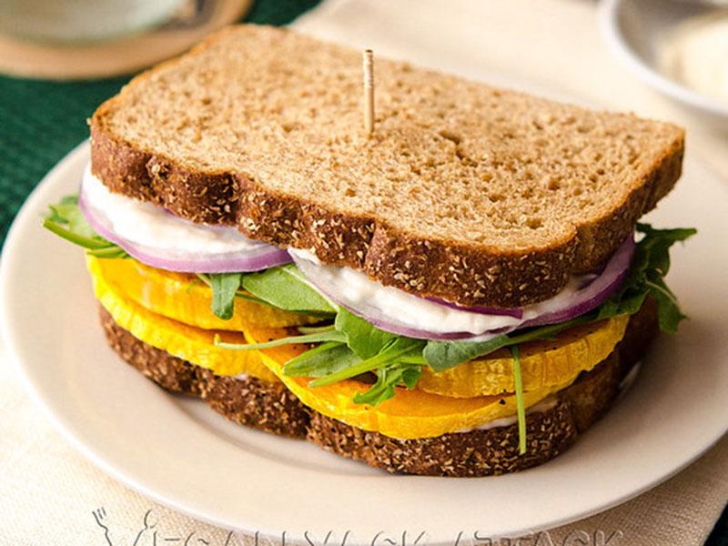 Healthy quick meals: Garlicky Butternut Squash Sandwich