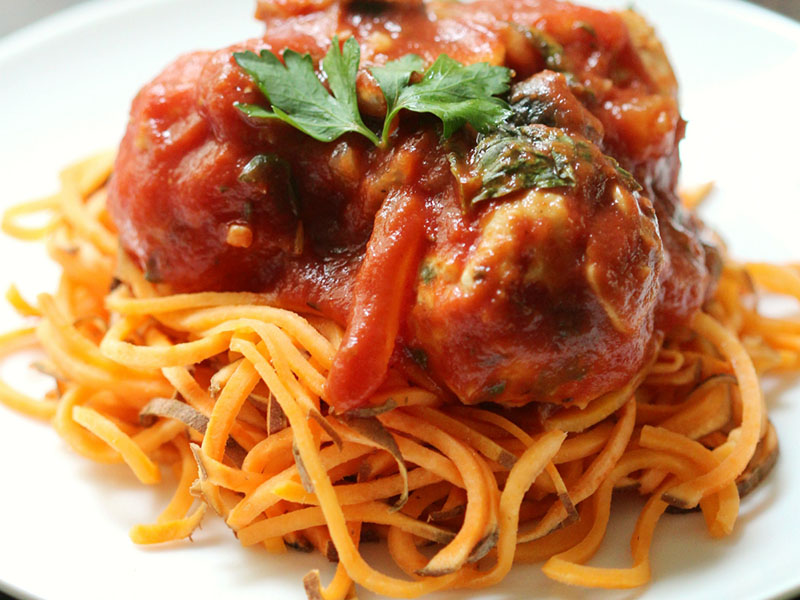 Healthy quick meals: Italian Chicken Meatballs & Sweet Potato Spaghetti