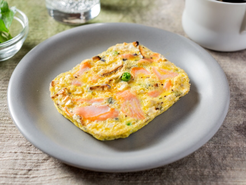 Healthy quick meals: Smoked Salmon Matzo Frittata
