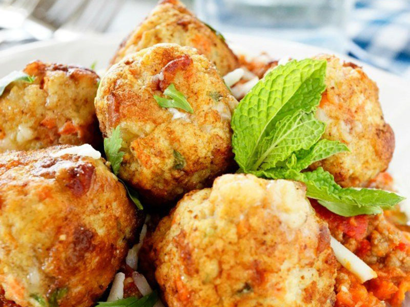 High-protein dinner: Ground Chicken Breast Meatballs With Mozzarella Cheese