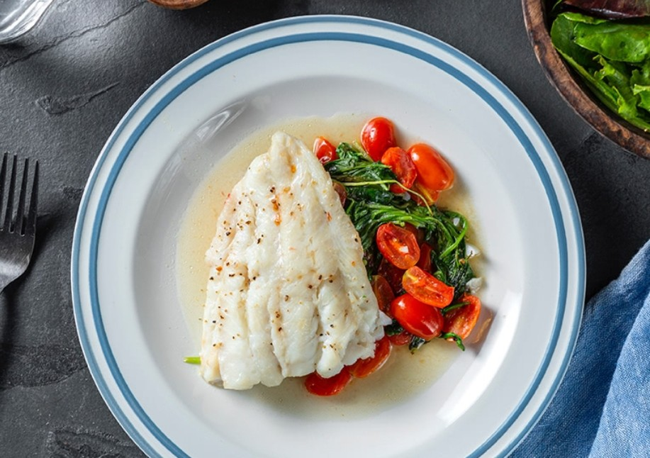 500-calorie meals: Baked Cod With Arugula & Cherry Tomatoes