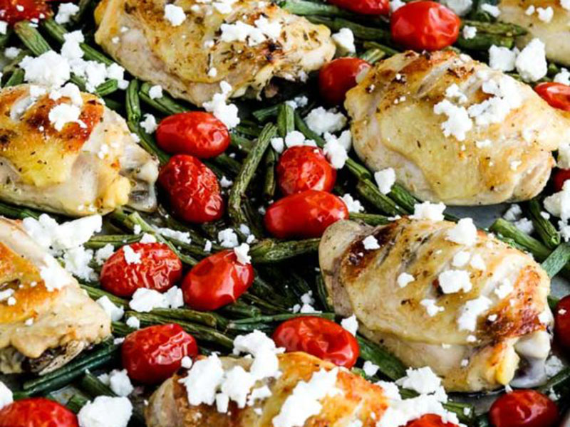 Low-carb, high-protein recipes: Low-Carb Greek Chicken, Green Beans, and Tomatoes Sheet Pan Meal