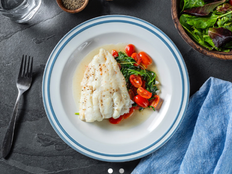 Low-carb, high-protein meals: Baked Cod With Arugula and Cherry Tomatoes