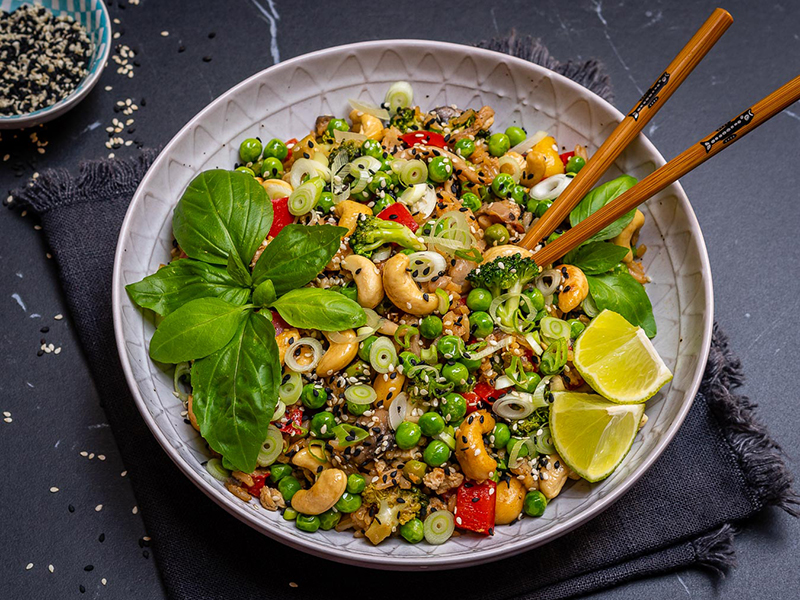 Vegetarian meal plan: Easy Vegetable Fried Rice With Cashews