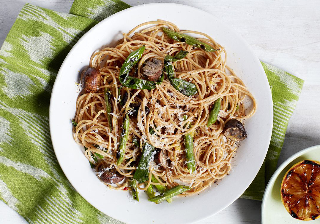 Heart-healthy meals: Spaghetti With Grilled Green Beans and Mushrooms