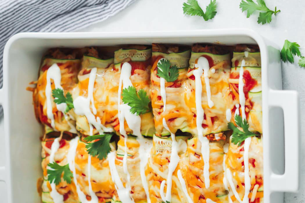 Easy low-carb meals: Low-Carb Chicken Zucchini Enchilada