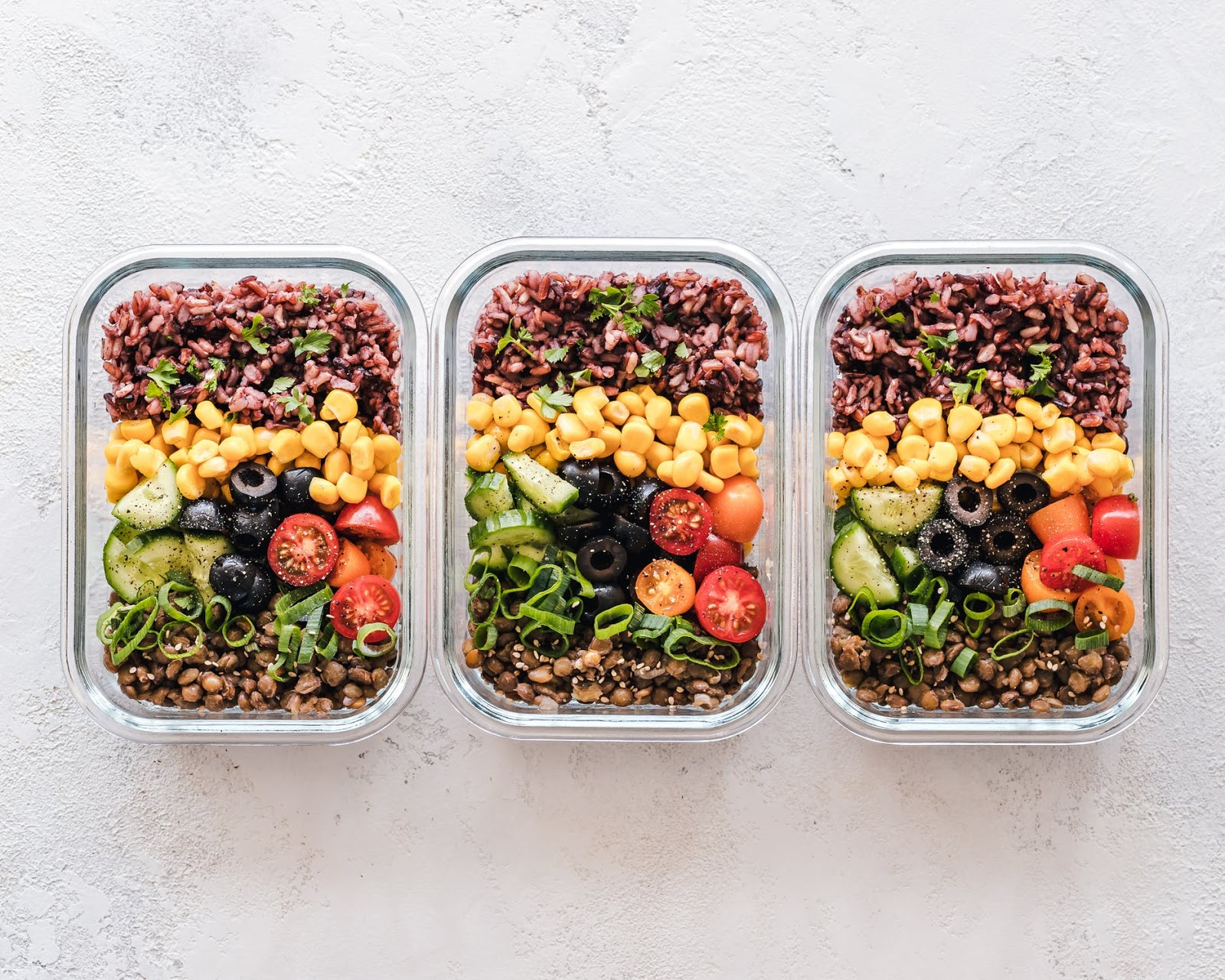 Prepared meals delivered: Three identical meals prepped in food storage containers