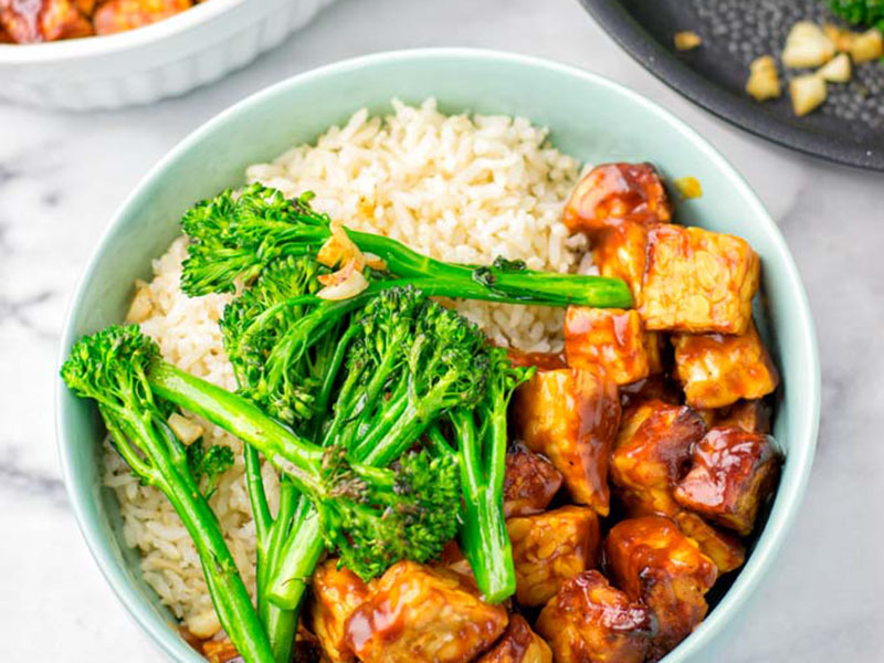 List of meals for dinner: BBQ Tempeh Rice Bowl