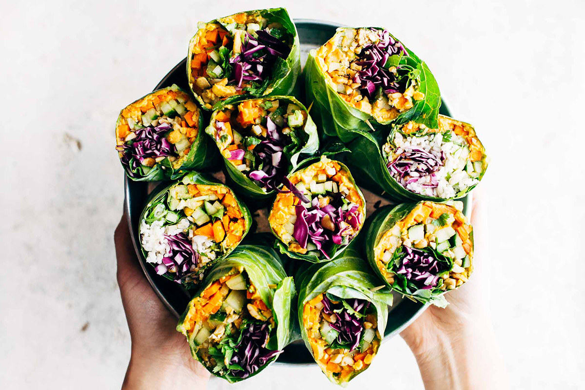 Easy college meals: Detox Rainbow Roll-Ups With Peanut Sauce