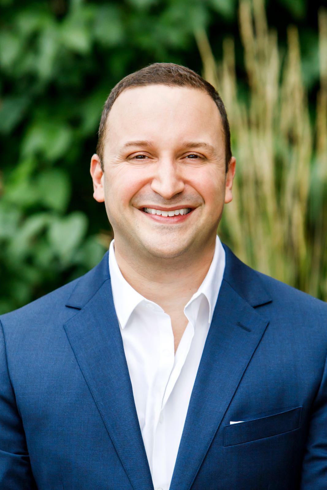 Dr  Sahand Zomorrodian | Smile Pro Studio
