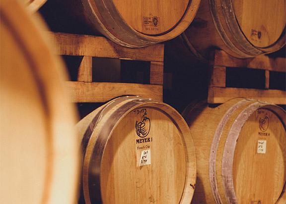 Weinhaus Hauck Foto Weinfaesser