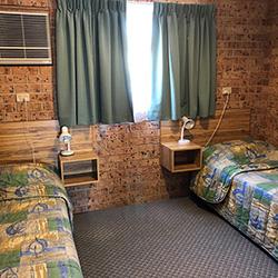 family room alyn motel
