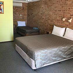 twin room alyn motel