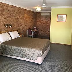 double room alyn motel