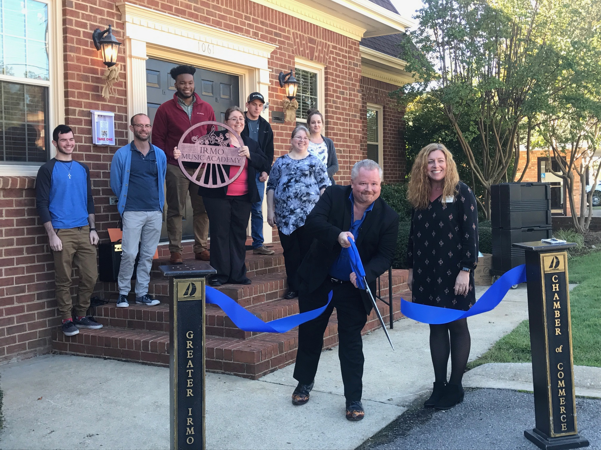 The Irmo Music Academy had it's grand opening and we celebrated with a barbecue luncheon from Palmetto Pig, Italian ice and Fair Food from Brain Freeze –we even had face painting and balloon animals from Balloon King and Queen!