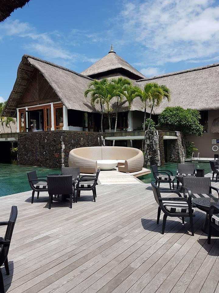 Floating Lounge Constance Belle Mare